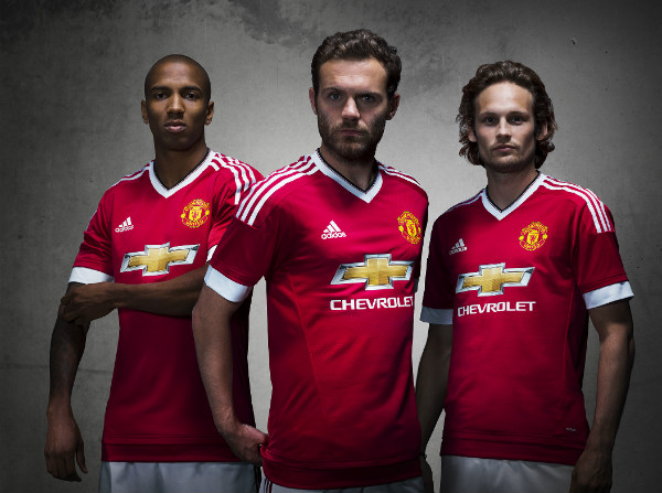 Ya hay uniforme oficial de local del Manchester United