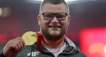 Campeón mundial paga el taxi con... ¡¡Su medalla de oro!!