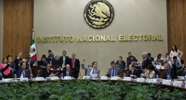 Ciudadanos exigen que partidos políticos devuelvan el dinero que no se gastaron en campaña