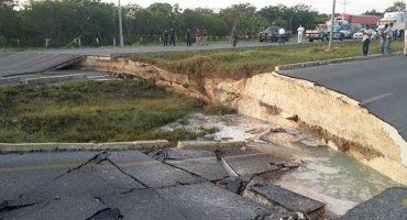 Se derrumba un tramo de la Carretera Cancún-Playa del Carmen