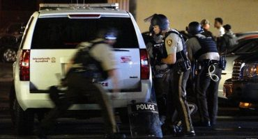 Ferguson: Detenciones y heridos durante aniversario del asesinato de Brown