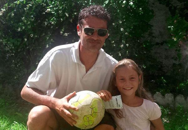 Esta niña ganó 19 mil euros en una quiniela de futbol