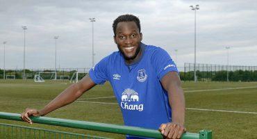 Romelu Lukaku le jugó una broma a una trabajadora del Everton