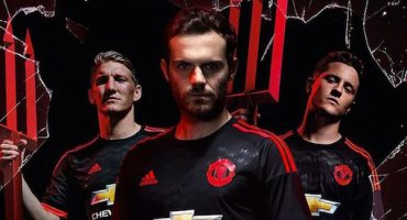 Adidas lanzó el 3er uniforme del Manchester United