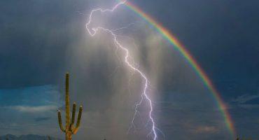 Y en la imagen del día: Así se ven un rayo y un arcoíris al mismo tiempo