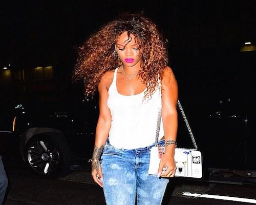 Rihanna presume su nuevo tatuaje