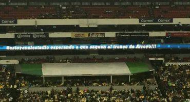 El Estadio Azteca trolleó a Michael Arroyo