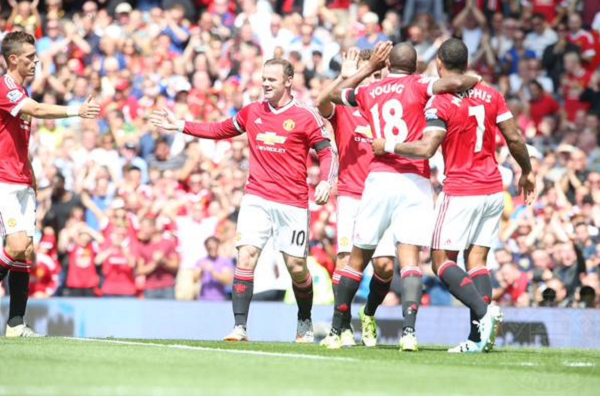 Manchester United vence gracias a un autogol
