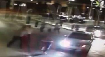 Difunden video de seguridad donde jugadores del Necaxa golpean a un joven