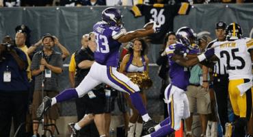 Los Vikings vencen a los Steelers en el Juego del Salón de la Fama