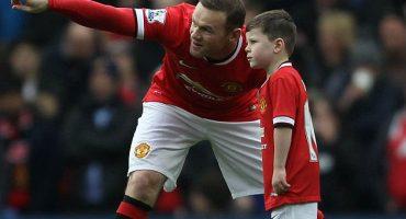 Hijo de Wayne Rooney convive con jugadores del Barcelona gracias a Gerard Piqué