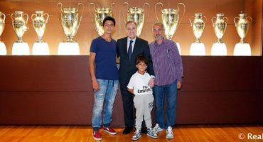 Refugiados Sirios visitan el Estadio Santiago Bernabéu