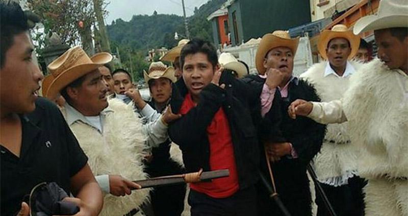 Linchan y queman a dos ladrones en San Juan Chamula, Chiapas
