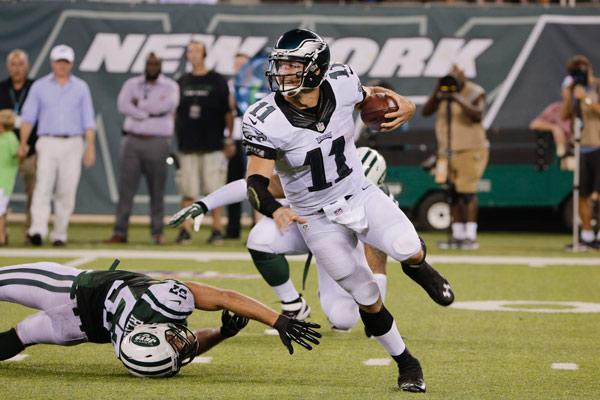 ¿#TebowTime? Los Philadelphia Eagles le dan la mano a Tim Tebow