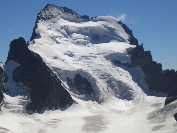 Siete alpinistas pierden la vida por una avalancha en los Alpes Franceses