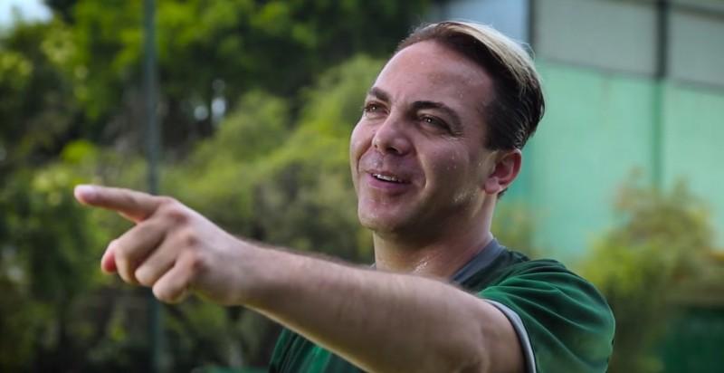 Cristian Castro y Agrupación Cariño estrenan video, yey