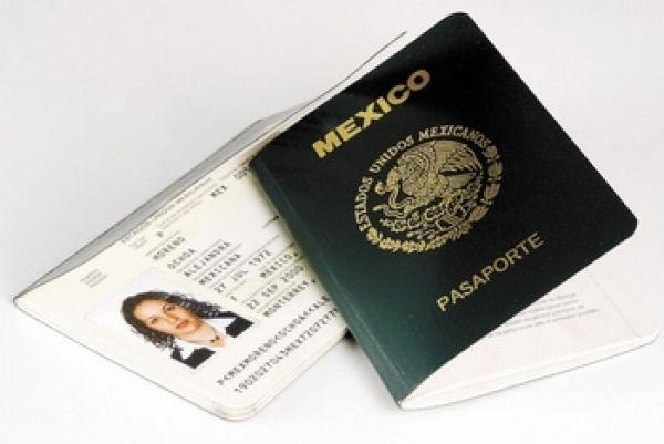 Pasaporte podrá tramitarse por internet; lista credencial del INE para mexicanos en el extranjero