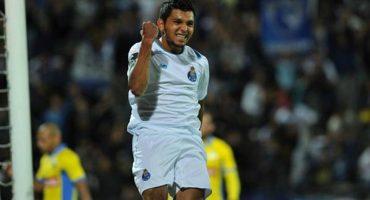 El Tecatito Corona marcó su tercer gol con el Porto