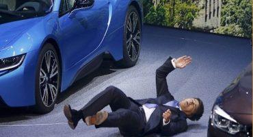 #EpicFail Director de BMW se desmaya durante una presentación
