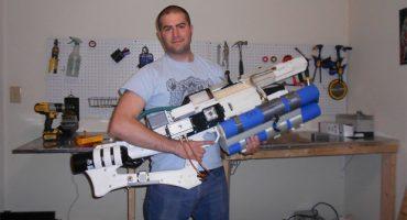 Un genio construye una Railgun de verdad ¡y funciona!