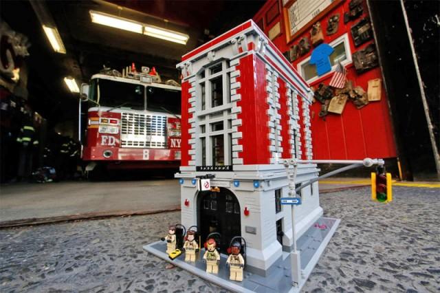 Tomen nuestro dinero: El cuartel de los Cazafantasmas de Lego es increíble