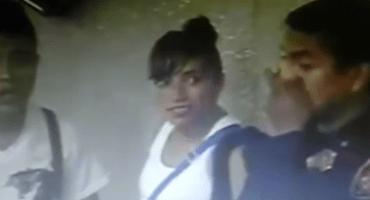 VIDEO: Policía del Metro acepta mordida de vendedores ambulantes