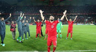 El momento épico en el que Turquía se entera que va a la EURO 2016
