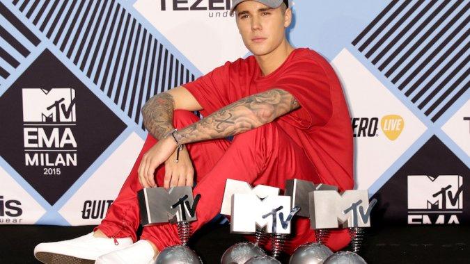 Justin Bieber domina los MTV EMA 2015 y lo mejor de la noche en GIFS