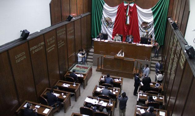 Querétaro: diputados se aumentan sueldo 80%... ganaban 47 mil pesos