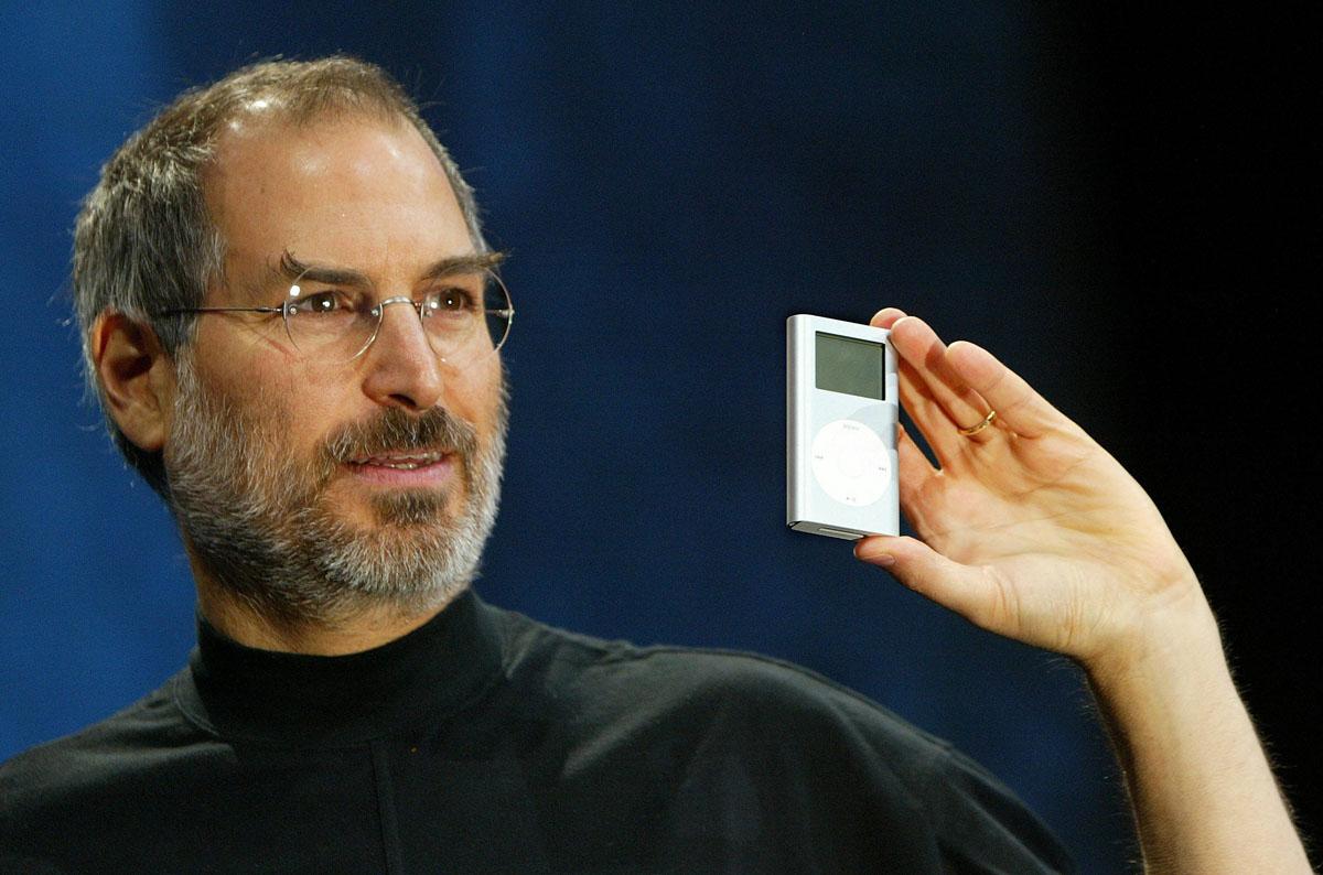 Steve Jobs en la presentación del iPod