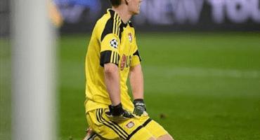 El insólito error de Bernd Leno que le costó un gol al Bayer Leverkusen