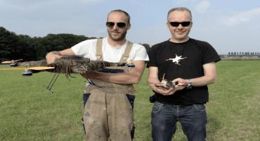 Ha vuelto el hombre que construye máquinas voladoras con animales muertos y estos son sus planes