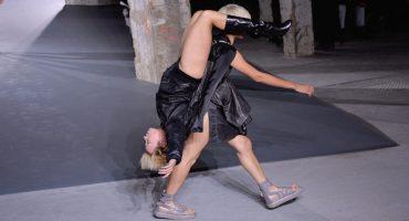 Modelos vistiendo Modelos, el desfile más WTF de la Semana de la Moda en Paris