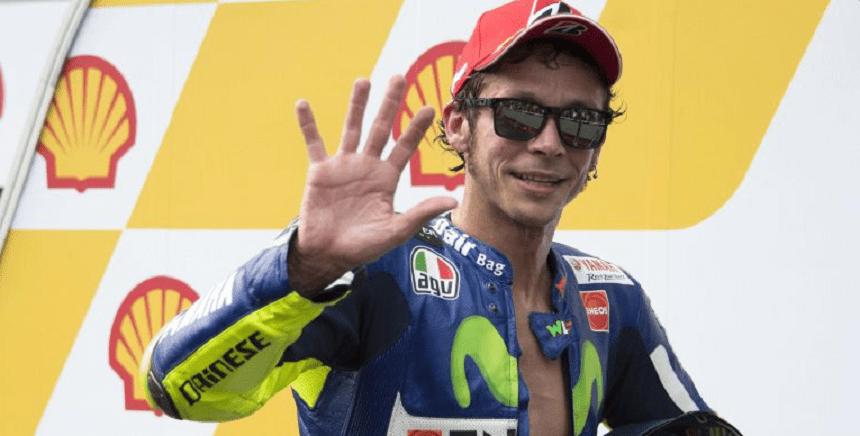 Escándalo en el Moto GP, Rossi pateó a un corredor y lo tiró de la motocicleta