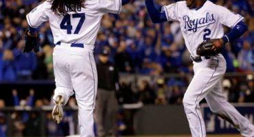 Cueto lanza 'joyita' y los Royals dominan a los Mets en el Juego 2 de la Serie Mundial