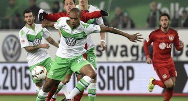 Chicharito anota en la derrota del Bayer Leverkusen ante el Wolfsburg