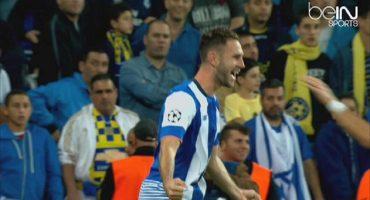 Miguel Layún se estrena en la Champions League con un GOLAZO