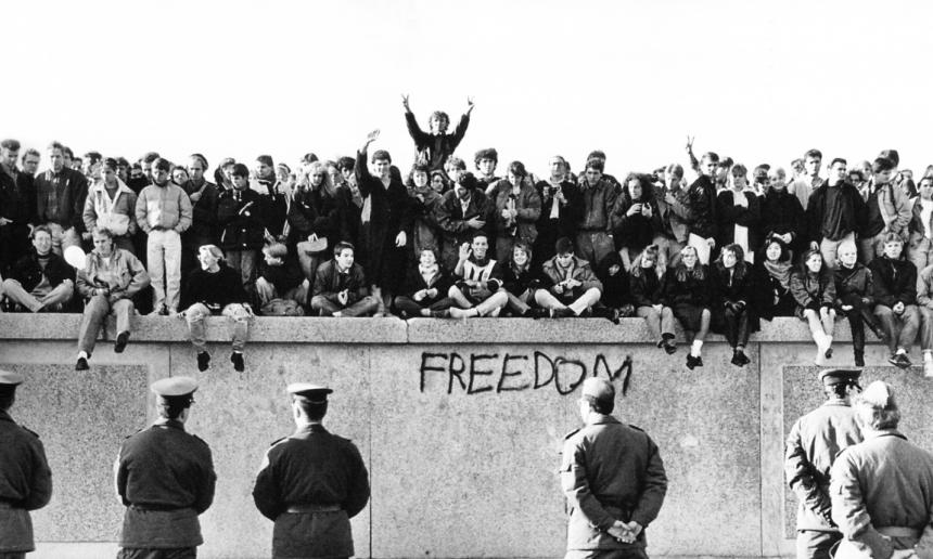 Playlist del 26 aniversario de la caída del muro de Berlín