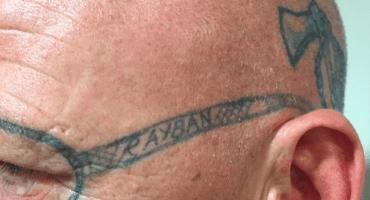 Si vas a festejar con todo, procura que no te tatúen la cara