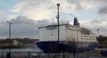 Un crucero en Inglaterra es movido por vientos de 105km/h