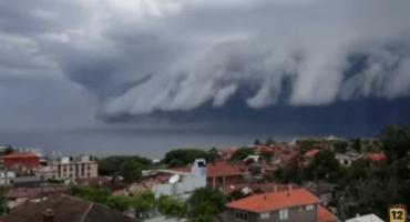 La impactante nube tsunami que sembró terror en Australia