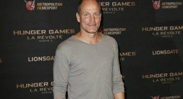 ¡Héroe! Woody Harrelson acude en pijama a estreno de 'The Hunger Games'