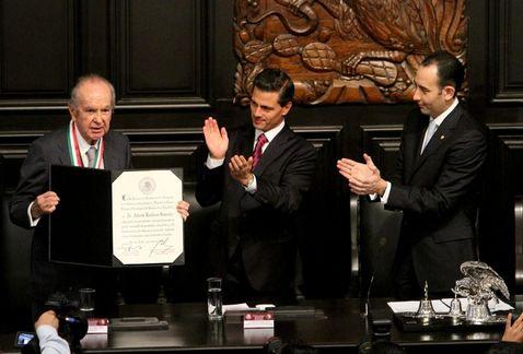 Medalla Belisario Domínguez para Baillères causa polémica.