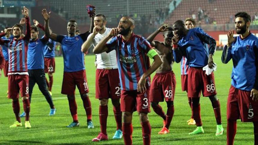 Multan a equipo turco por retener a un árbitro contra su voluntad
