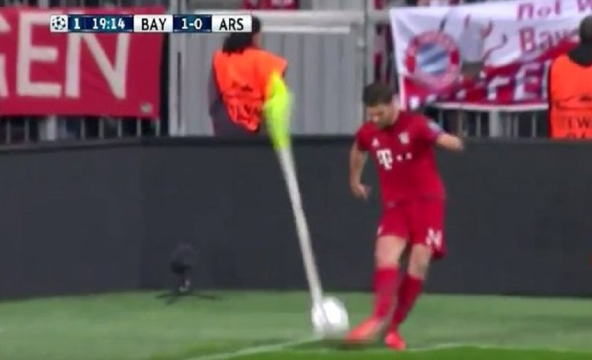 El peor tiro de esquina de la historia lo hizo... ¡¡¿¿Xabi Alonso??!!