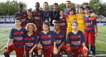Fuerzas básicas del Barcelona no quisieron sacarse foto con Raúl, después corrigen el error