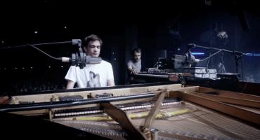 Escucha la increíble colaboración en vivo entre Jon Hopkins y Nils Frahm