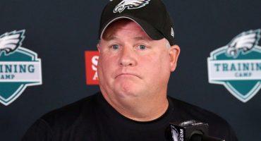 Chip Kelly es despedido por las Águilas de Filadelfia