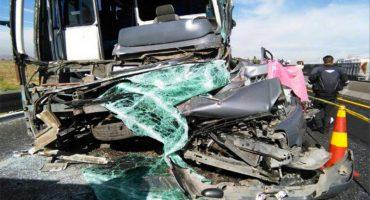 Choque en Circuito Exterior Mexiquense deja un muerto y 17 heridos