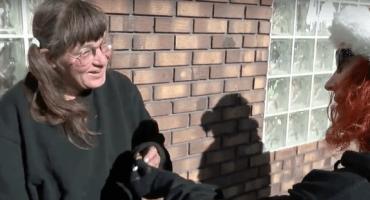 ¡Marihuana para todos! Grupo de caridad regala churros de mota para ayudar a los vagabundos